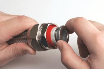 Монтаж аксессуаров для металлорукава